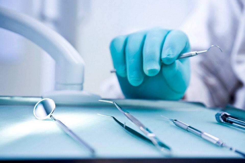 Противопоказания для имплантации зубов