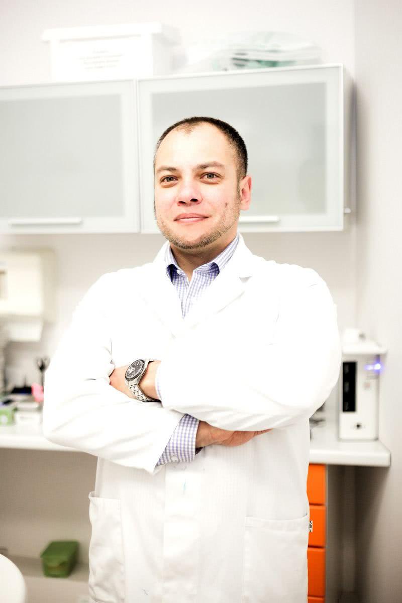 Прялкин Сергей Викторович - врач стоматолог