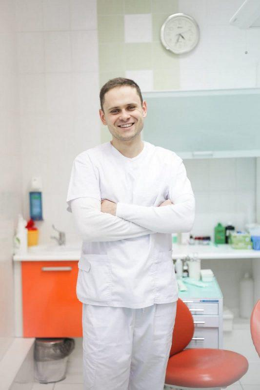 Лойко Артём Васильевич - врач стоматолог