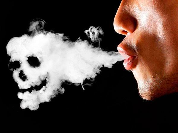 Stomatitis: Der Hauptgrund für das Auftreten ist das Rauchen